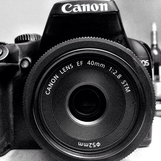 40mm f/2.8 STM Canon